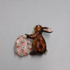 Napier bunny with egg pin